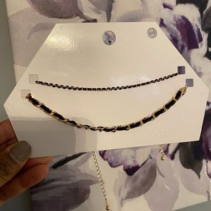 Forever 21 Black and Gold chocker (2 pieces)